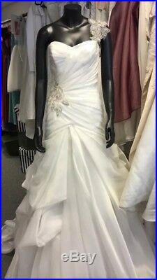 871cf4e80971 Joblot Wholesale Bundle Bulk Ex Sample Wedding Dresses Bridal Shop Clearance
